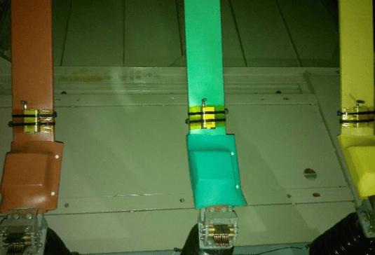 无线测温传感器表带安装示意
